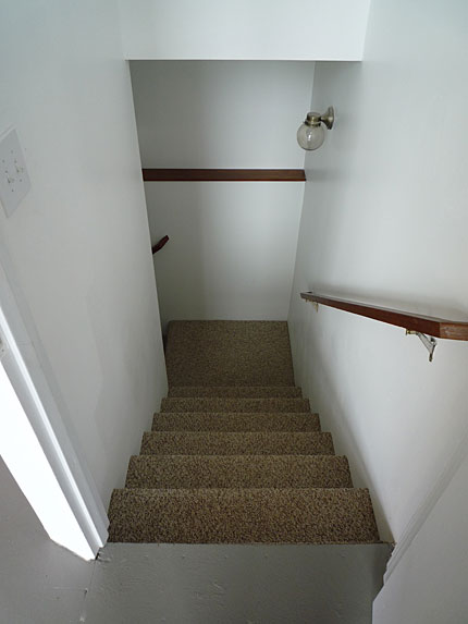 basement_stairs_b